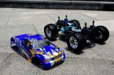 Jouets pour enfants à échelle variable 1: 10 4WD RC Nitro Engine Toy Cars