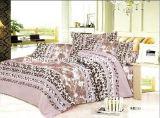 多または綿十分に合われたベッドカバーのパッチワークの寝具セットを印刷した