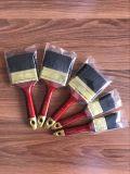 Щетка краски с черной щетинкой и пластичной ручкой