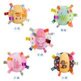 Kundenspezifischer Plüsch-quietschendes Baby-Kugel-Spielzeug mit Ring