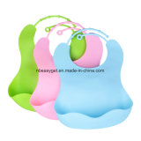 防水シリコーンの胸当ては容易にきれい拭く! 快適で柔らかい赤ん坊の胸当ては汚れを保つ! 赤ん坊または幼児が付いている食事の後でより少ない時間のクリーニングを使いなさい