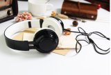 Ab005低価格および高品質の新しい無線ステレオのカードのヘッドバンドのBluetoothのイヤホーン