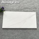 Weiße rutschfeste wasserdichte dekorative Wand Carrara-Matt deckt niedriger Preis-Marmor-Fliese-Keramikziegel-Preis mit Ziegeln