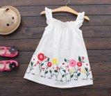 Kind-Mädchen-Sommer-Fußleisten-Form druckte Klammer-Kleid