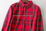 Chemise de plaid rouge de femmes
