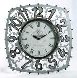 Reloj de pared de madera con engranaje