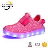 LEIDENE van de Jonge geitjes van de Tennisschoen van de Kinderen van de manier de Leuke Schoenen van de Flits met Lichte USB die Gloeiende Schoenen Outsole laden