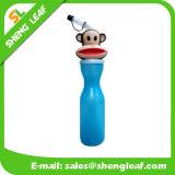 ベストセラー項目はロゴプラスチック水飲み物のびんをカスタマイズした