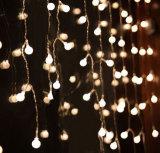 Luzes feericamente do Natal verde interno ou ao ar livre do diodo emissor de luz da palma