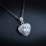 ロマンチックな愛ハート形のペンダント925の純銀製のネックレス女性のためのペンダントによってはめ込まれるAAA Cnの方法宝石類