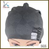 Sombrero gris impreso de la gorrita tejida del invierno de la insignia