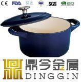 青いエナメルが付いている鋳鉄の鍋はカバーによって塗った