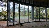 Mur en verre arqué pour l'hôtel