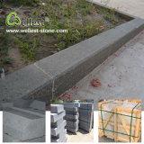 Kerbstone van het Graniet van de Sesam van de Prijs van de fabriek Beste G654 Zwarte voor de Rand van de Weg