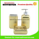 La etiqueta y el aerosol de oro de moda de 3 PCS esmaltaron el conjunto de cerámica del cuarto de baño