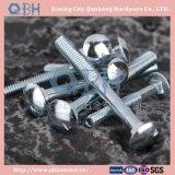 Aço de carbono dos parafusos de carro DIN603 (zinco chapeado, B.Z.P.)