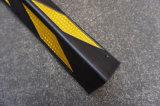 中国の卸し売り耐久の反射ゴム製コーナーガード