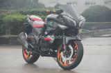 Motocicletta di corsa nera fredda di sport della bici con grande potere 350cc