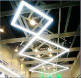 Illuminazione lineare di DIY con il collegamento libero