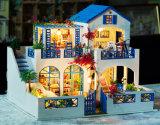 Chambre de poupée en bois bleue de jouet pour des gosses