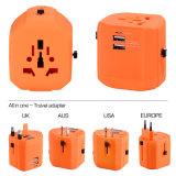 UK/USA/Aus/EUのプラグ、2 USBの出力2500mAが付いているユニバーサル旅行アダプター