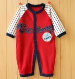 Barboteuse infantile de longue chemise avec l'impression mignonne et broderie dans des vêtements de bébé