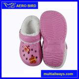 Entraves chaudes de jardin d'enfants de peluche d'EVA de femmes de l'hiver chaud de vente