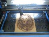 Petite machine de découpage de laser de machine de gravure de laser du travail manuel Tr-6040