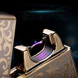 Nuevo USB Rechargeable Cigarette Windproof Arc Lighter de Design con Gift Box