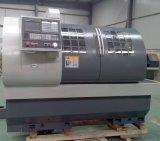 El CNC de la precisión tornea el torno Ck6150A del banco de las máquinas