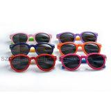 シンセンの品質流行Tr90 UV400はサングラスをからかう