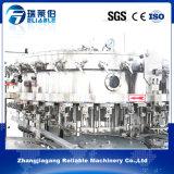 Boisson carbonatée automatique d'énergie rinçant la machine recouvrante remplissante