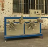 Beständige laufende Plastikextruder-Maschine für die Herstellung des gewölbten Rohres