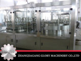 Чисто производственное оборудование воды в пластичных бутылках