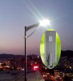 alto brillo todo del lumen 18W en una luz de calle solar del LED