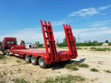 3つの車軸Fuwaのブランド13tのトレーラーの部品が付いている低い半ベッドのトラックのトレーラー