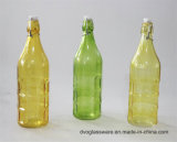 プラスチックふたが付いているガラス油壷