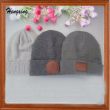 Изготовленный на заказ крышки и шлемы Beanie связанные вышивкой