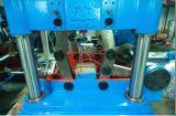 Bilden-Lochen-Ausschnitt-Stapeln des Plastikkastens, der Maschine bildet