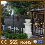 広州の熱い販売の品質WPCの塀は庭のベンチにパネルをはめる