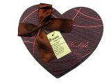 Коробка шоколада бумажного подарка сердца упаковывая с тесемкой