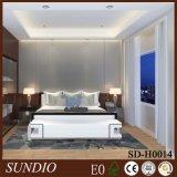 Longlifetimeの寝室のためのヨーロッパ式の白い反ひびのパネルWPCの正面の壁デザイン