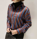 형식 여자 긴 소매를 가진 우연한 단추 폴리에스테 줄무늬 셔츠
