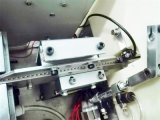 Máquina da chave de fenda no parafuso do auto fechamento