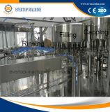 Botellas que hace la máquina Agua Mineral
