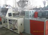 Précontraindre la machine ondulée plate en plastique de pipe
