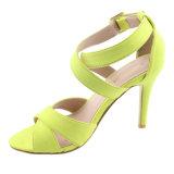 Le tissu de chaussures de mode de femmes chausse des santals de dames de haut talon