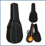 Caixa clássica da guitarra do uso profissional do jogador de guitarra baixa da espuma