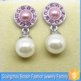方法女性の顧客用銀製の真珠のイヤリングの宝石類の卸売
