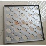 El panel de aluminio perforado de los orificios elípticos de aluminio blancos del color para la fachada